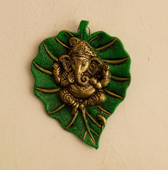 agg506-ecraftindia-lord-ganesha-on-green-leaf_1