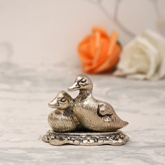 ASWAN506-eCraftIndia-Set-Of-2-Loving-Metal-Swans_1