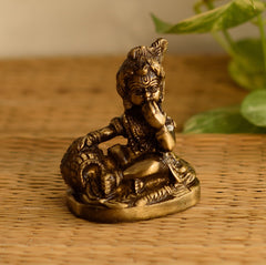 ecraftindia-antique-finish-brass-laddu-gopal-eating-makhan_1