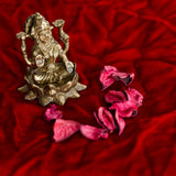 ecraftindia-antique-finish-brass-goddess-laxmi-on-lotus_2