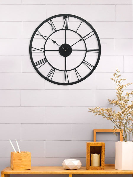 ecraftindia-black-iron-roman-figure-round-hand-crafted-analog-wall-clock-without-glass-(-45cm-x-45cm-)_1
