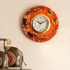 eCraftIndia Butterfuly and Garden View Papier-Mache Wooden Handcrafted Wall Clock