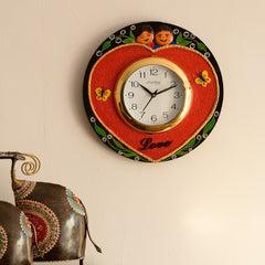 eCraftIndia Cute Couple Love Theme Papier-Mache Wooden Handcrafted Wall Clock