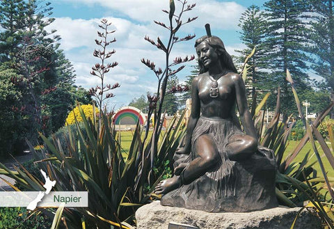 SHB534 - Pania Of The Reef Statue, Napier - Small Postcard - Postcards NZ Ltd