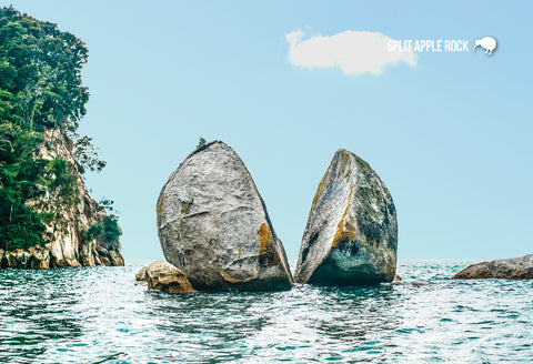 SNE724 - Split Apple Rock, Tasman Bay, Nelson - Small Postc - Postcards NZ Ltd