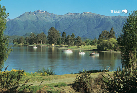 SFI675 - Pearl Harbour Lake Manapouri - Small Postcard