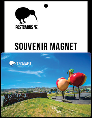 MOT060 - Cromwell Fruit Sculpture - Magnet - Postcards NZ Ltd