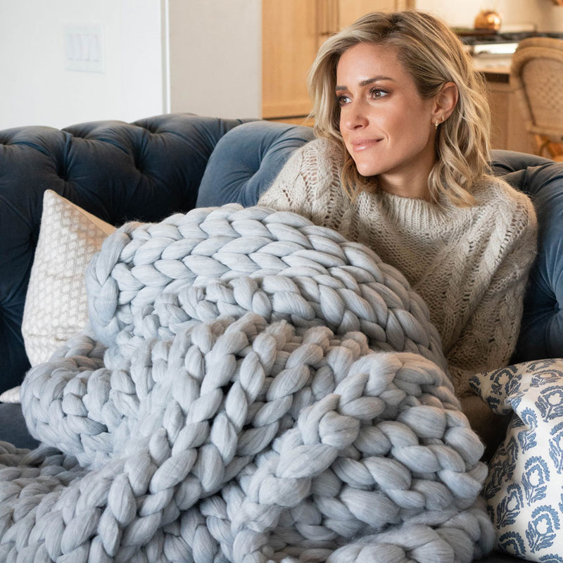 GREY CABLE KNIT THROW