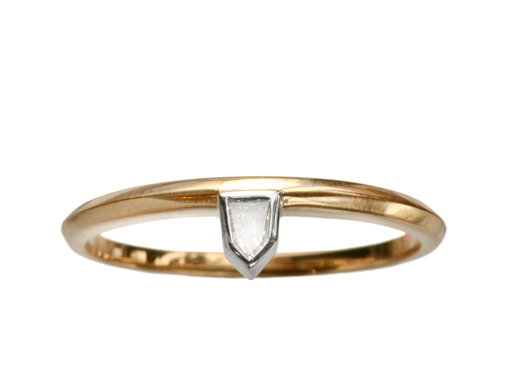 EB 0.07ct Bullet-Shaped Baguette Diamond Ring