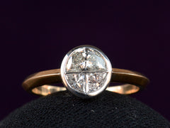 EB 3-Stone-Solitaire Ring