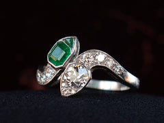 1920s Deco Emerald & Diamond Ring