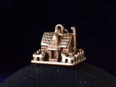 1940s Gold Cottage Charm