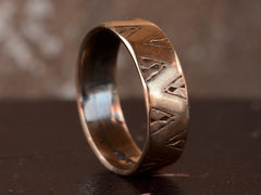1900s Triangular Patterned Band