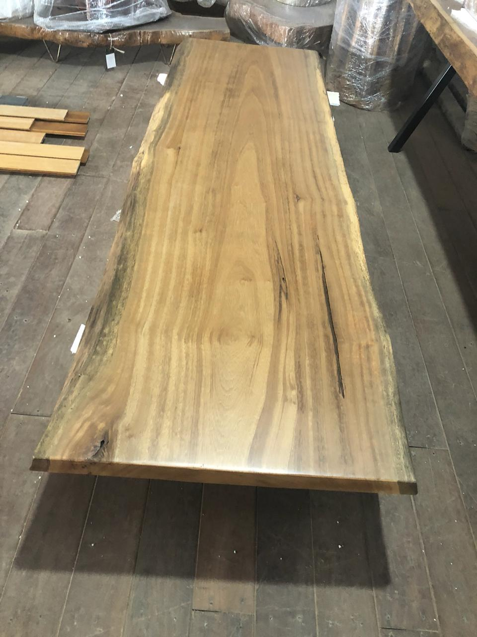 Pequia Table Top