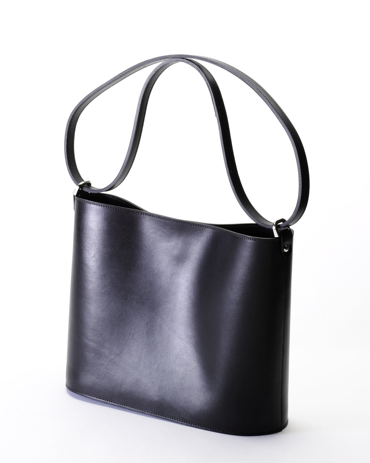 The Darlingmax Medium Tote - Black
