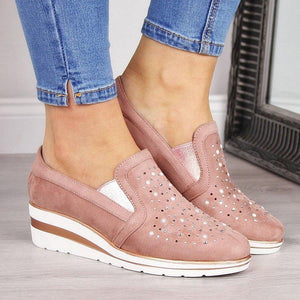 WOMEN COMFORTABLE SLIP-ON SNEAKER SHOES