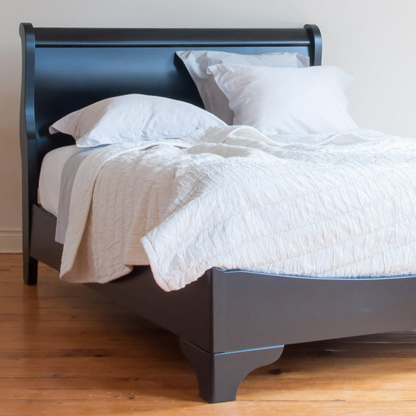 Avigail Bed in Black