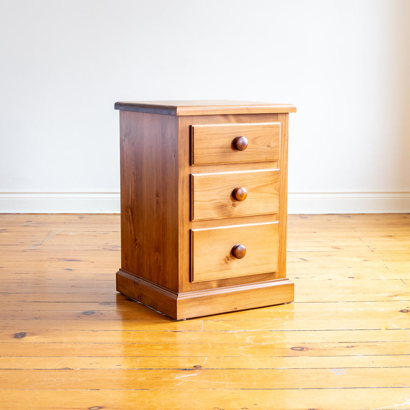 Cassidy Nightstand in Light Williams
