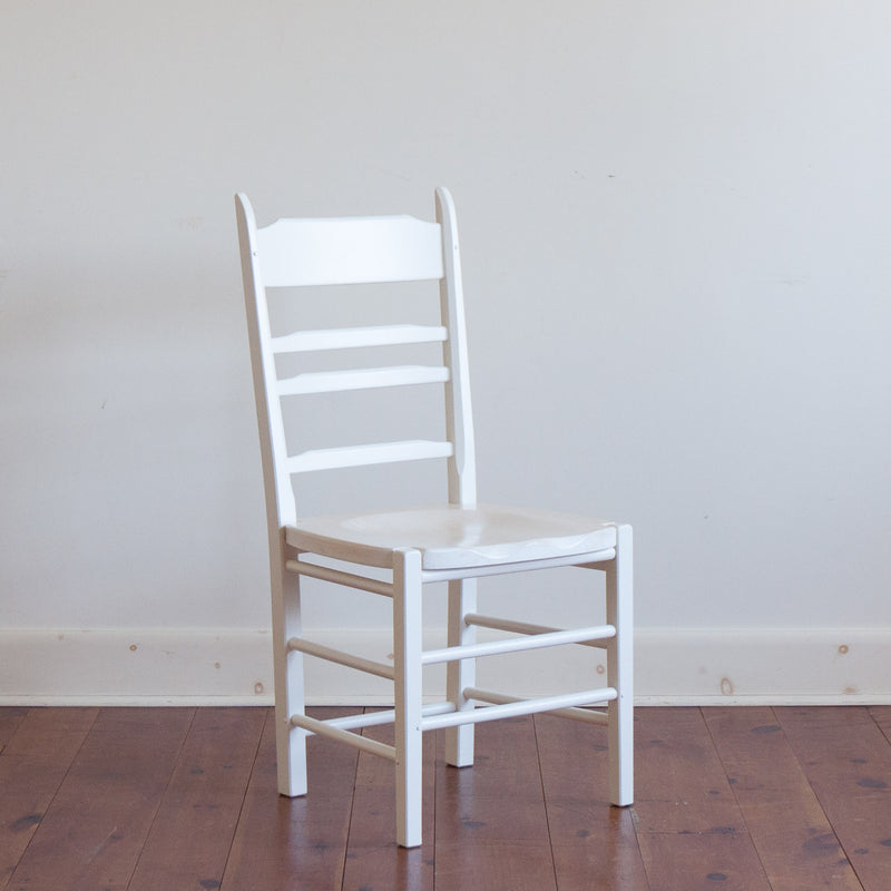 Shelton Chair in White/Whitewash