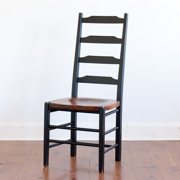 Plateau Chair in Black/Williams