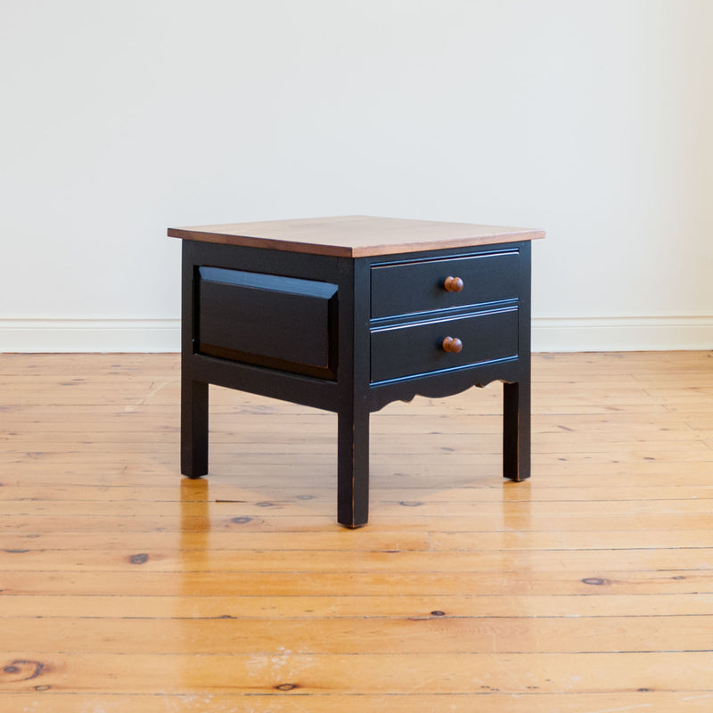 Renaud Side Table in Black/Williams