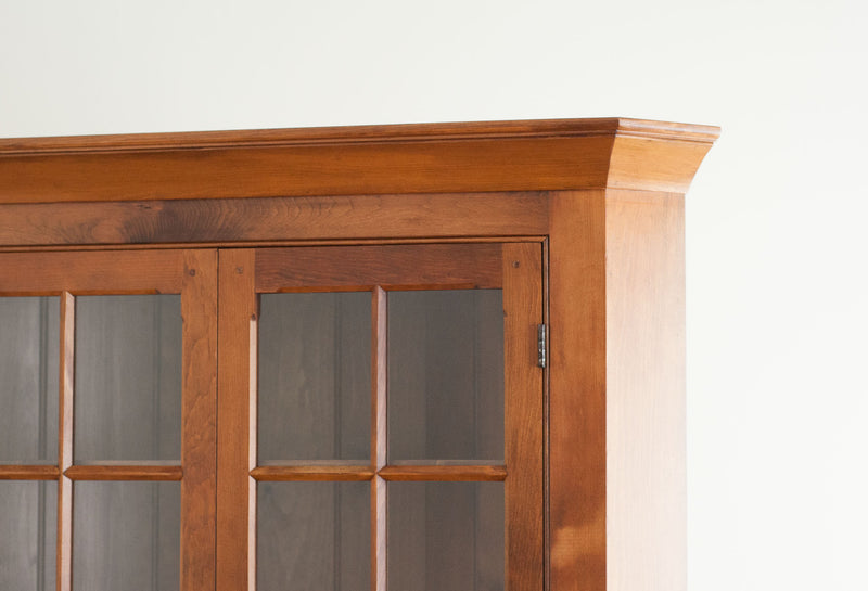 Owen's Glazed Corner Cabinet in Williams Pine Light