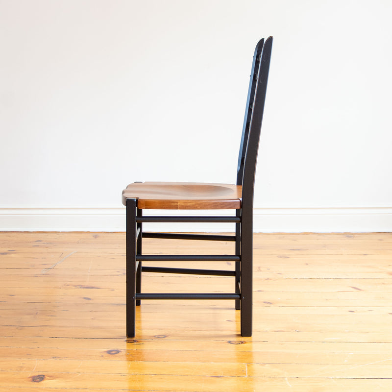 Wolf Chair in Black/Williams