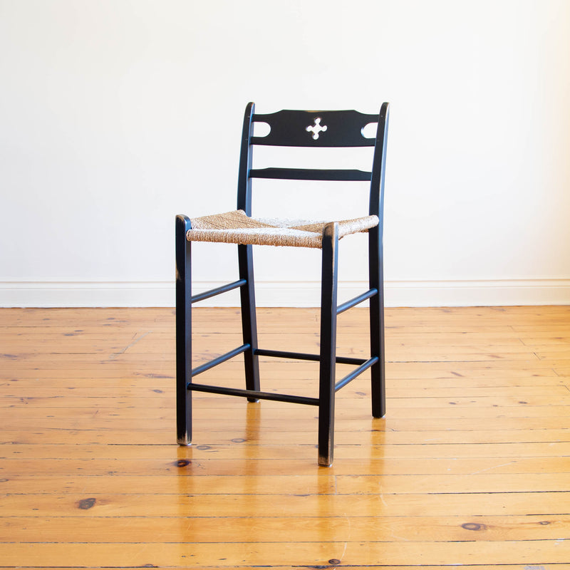 Wolf Stool in Black/ Diamond point