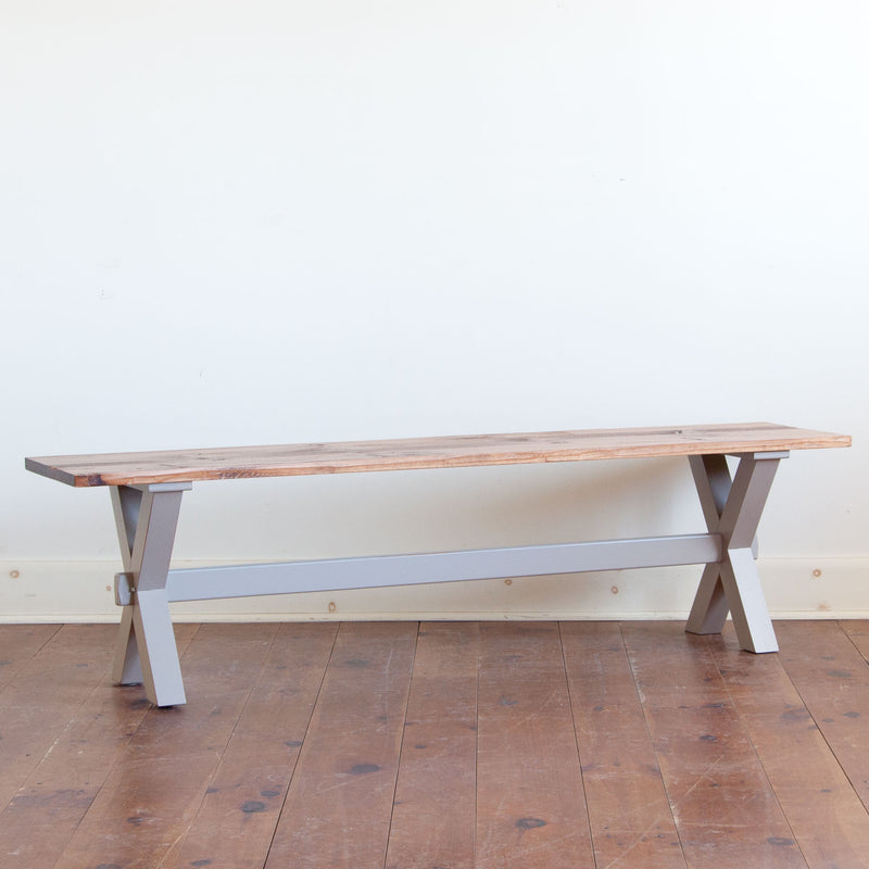 Xander Bench in Grey/Williams