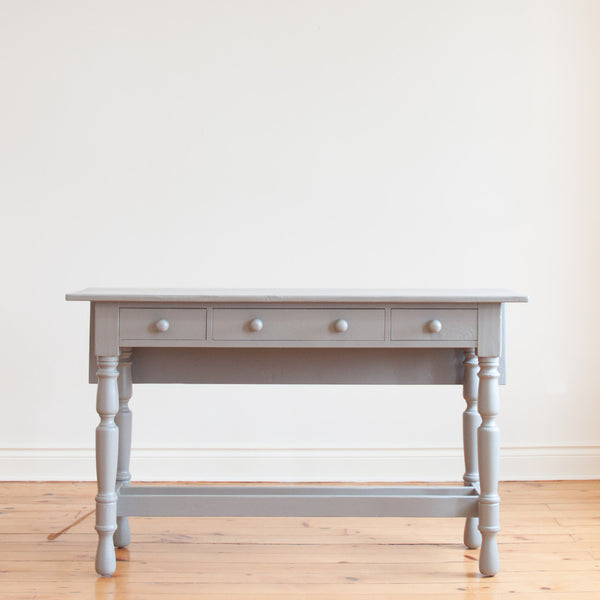 Lunenberg Drop Leaf Table in Grey