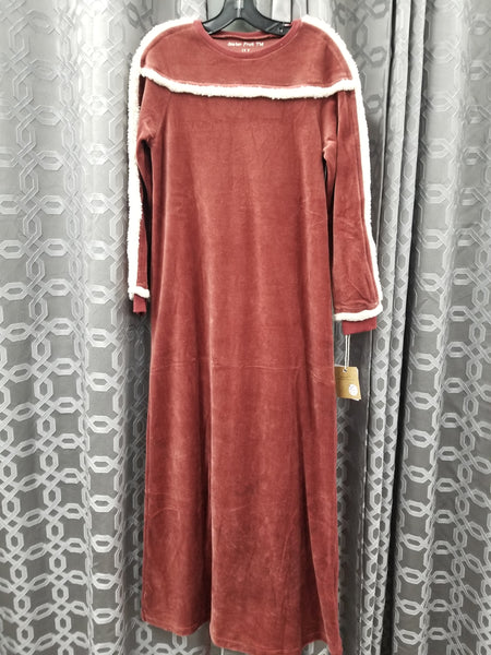 Sister Fruit 1872 Sherpa Night Gown