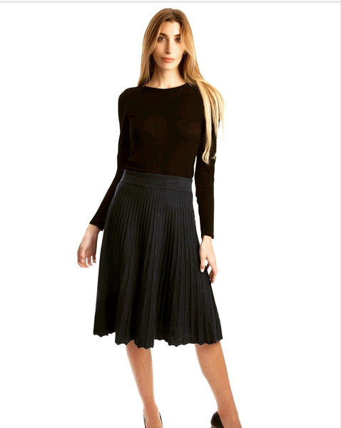 Draw 8187016-A Pleated Knit Skirt