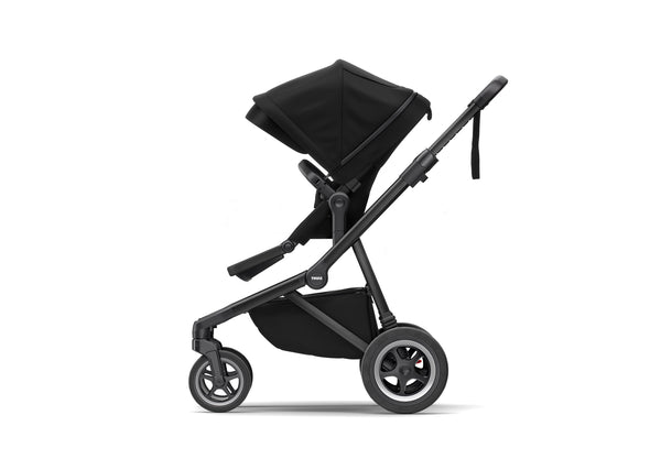 Thule Sleek | Black on Black (with Bassinet)