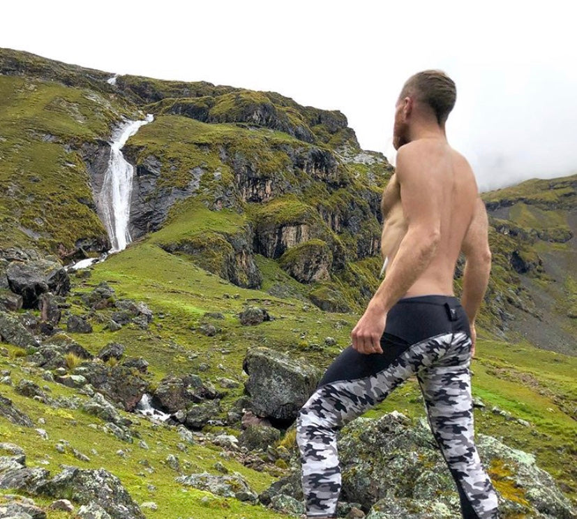 Man posing in Meggings in Peru