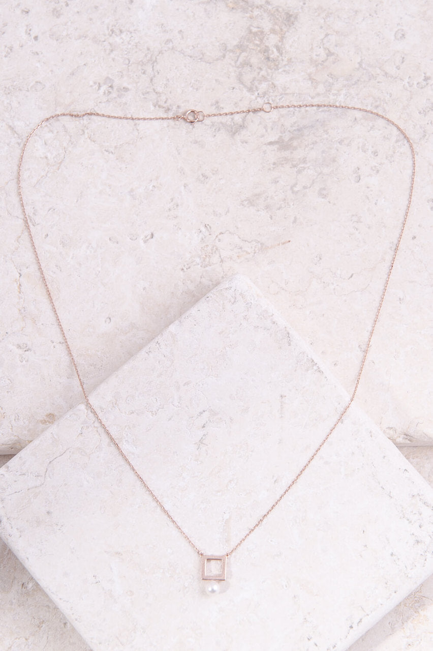 Mia Square Pearl Necklace