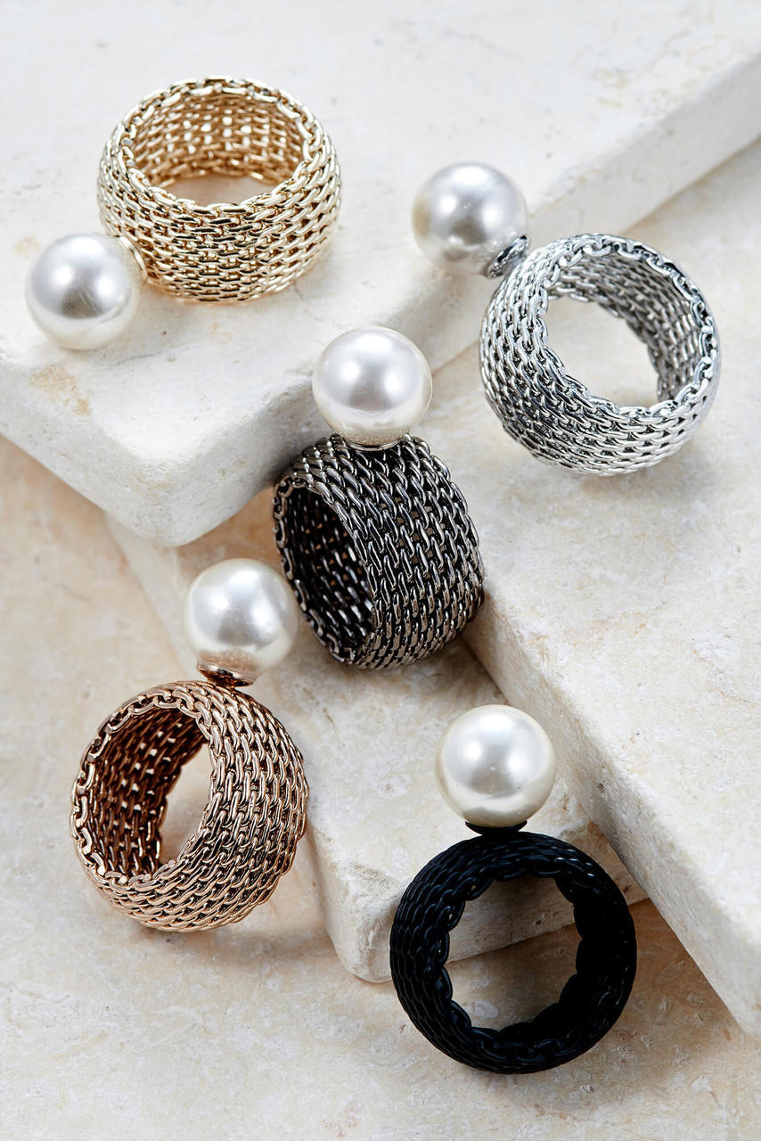Stephanie Pearl Statement Ring