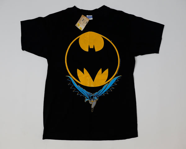 BATMAN FLYING W/ BATMAN LOGO