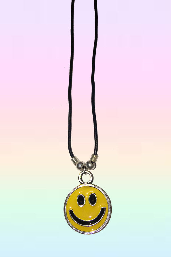 CLASSIC SMILEY NECKLACE