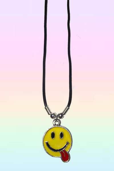SMILEY TONGUE NECKLACE