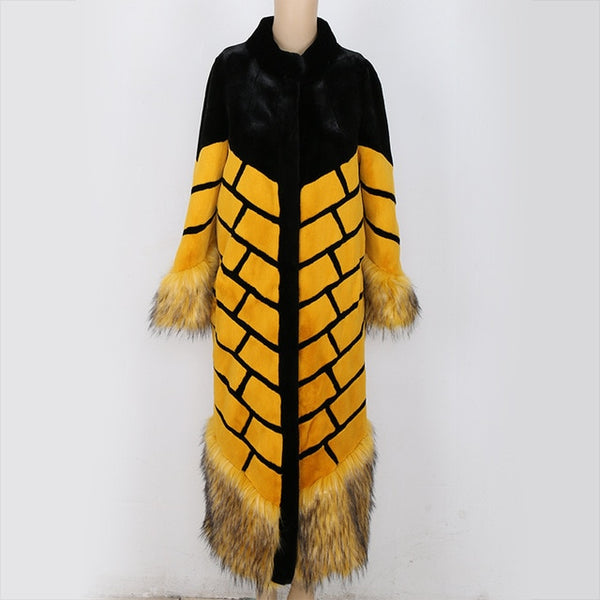 2020 Winter High Quality Women Faux Fox Fur Coat Yellow and Black Color Block Stripe Patchwork Ultra Long Runway Fake Fur Coats