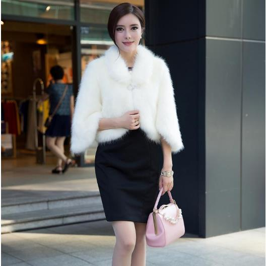 Furry Women Coats 2018 Sexy Faux Fox Fur Leather Winter Feminino Coats Thicken Furry Elegant White Short Mink Fur Coats M453