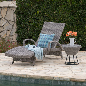 Crema Outdoor Wicker Armed Chaise Lounge With Wicker Circular Side Table