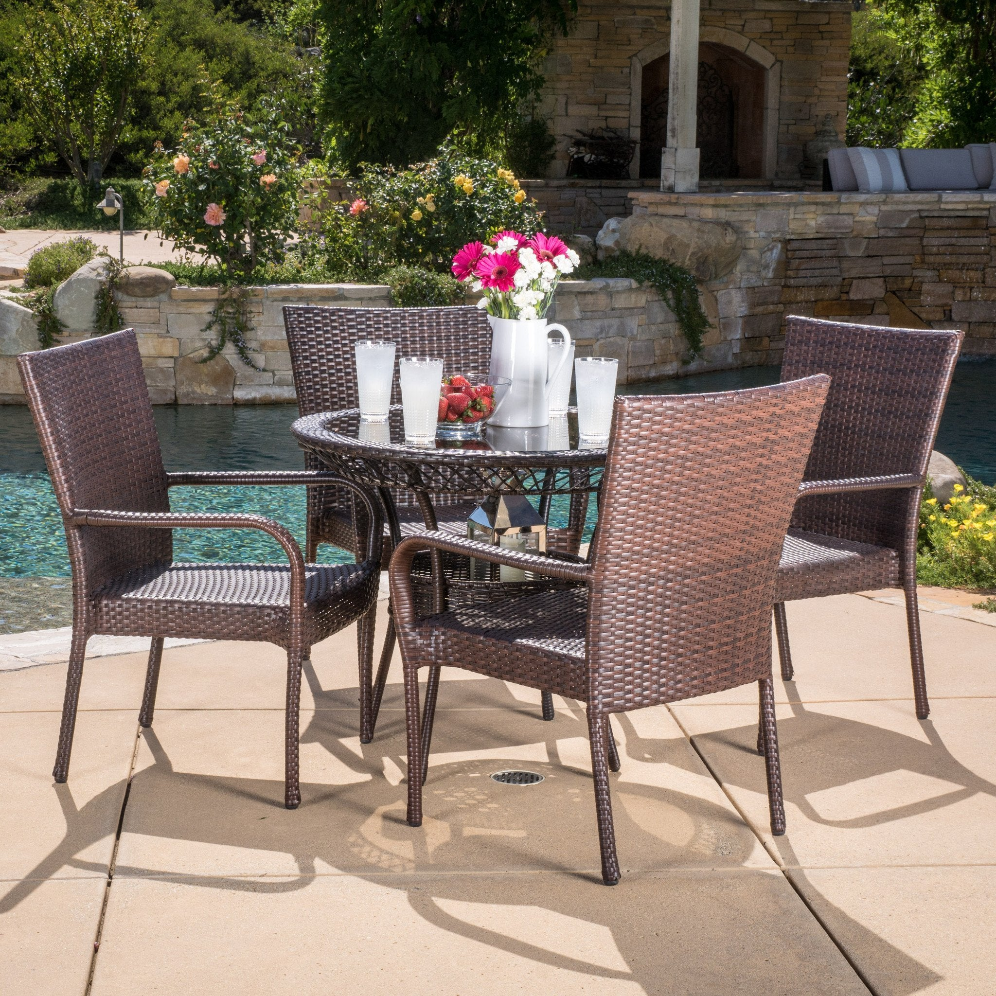 Lisann Dining Set