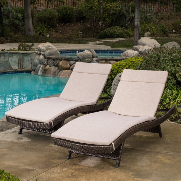 Sagan Outdoor Wicker Adjustable Chaise Lounge With Colored Cushion (Set Of 2)