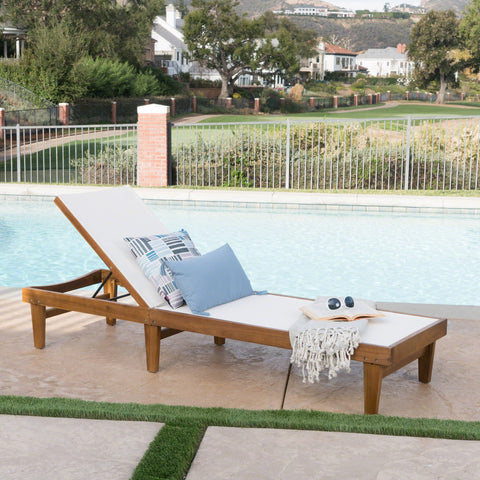 Studded Outdoor Mesh Chaise Lounge With Teak Finished Acacia Wood Frame