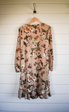 Load image into Gallery viewer, Hannah floral dress - sand