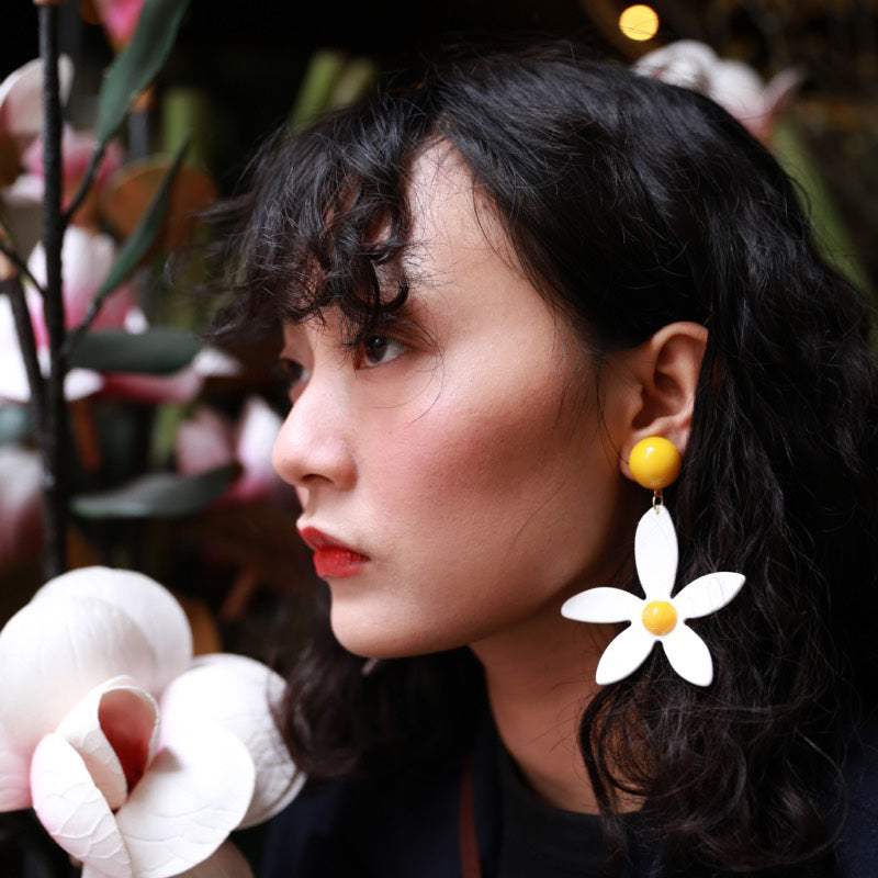 Five-Petal Daisy Asymmetrical Drop Earrings