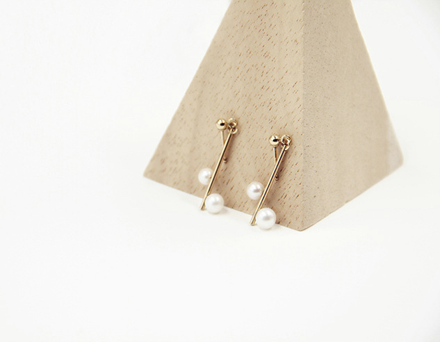 Minimalist Serenade 14K Gold Filled Pearl Earrings (Quick to ship)