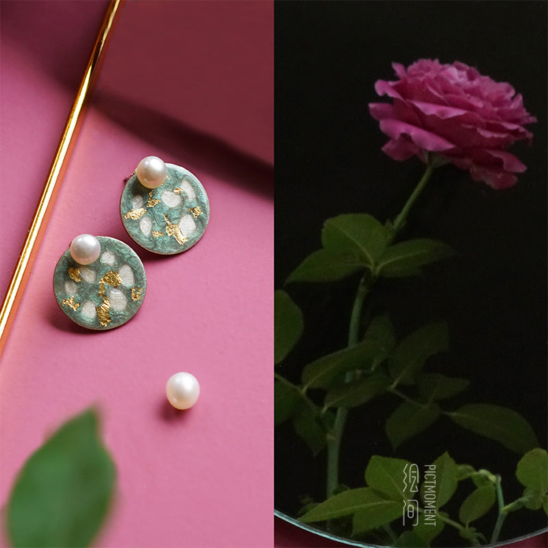 Painted Layering Tea Green & Inlaid Gold Pearl Stud Earrings