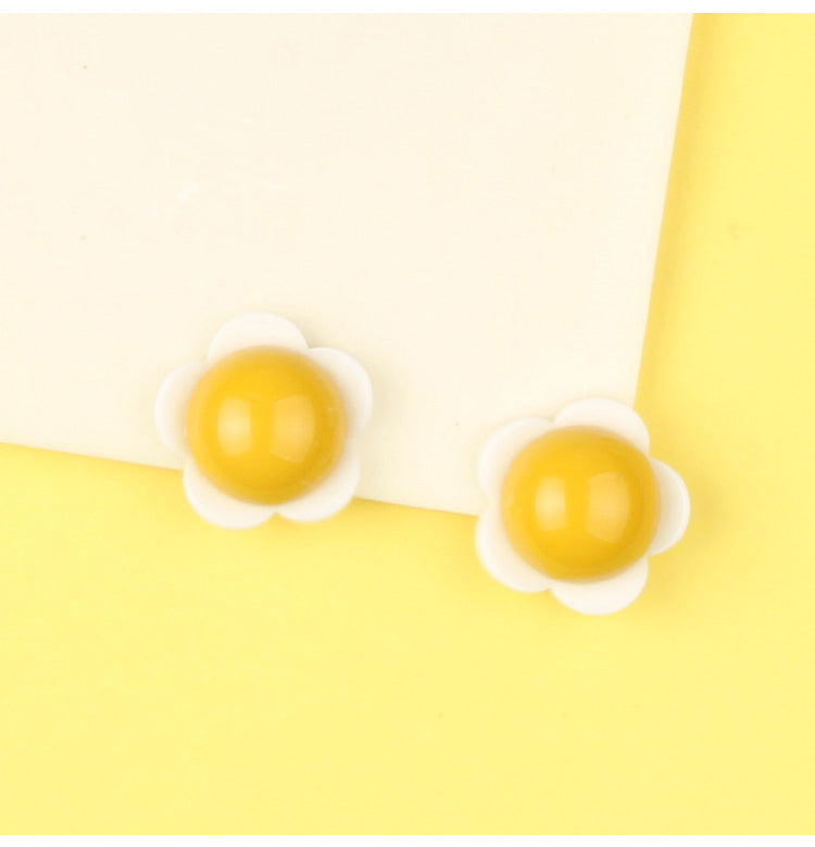 3D Egg Flower Stud Earrings - AHED Project